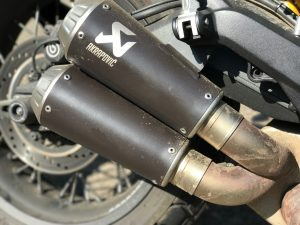 Akrapovic Slip-On Titanium S-D8SO3-HCUBTBL-1-2